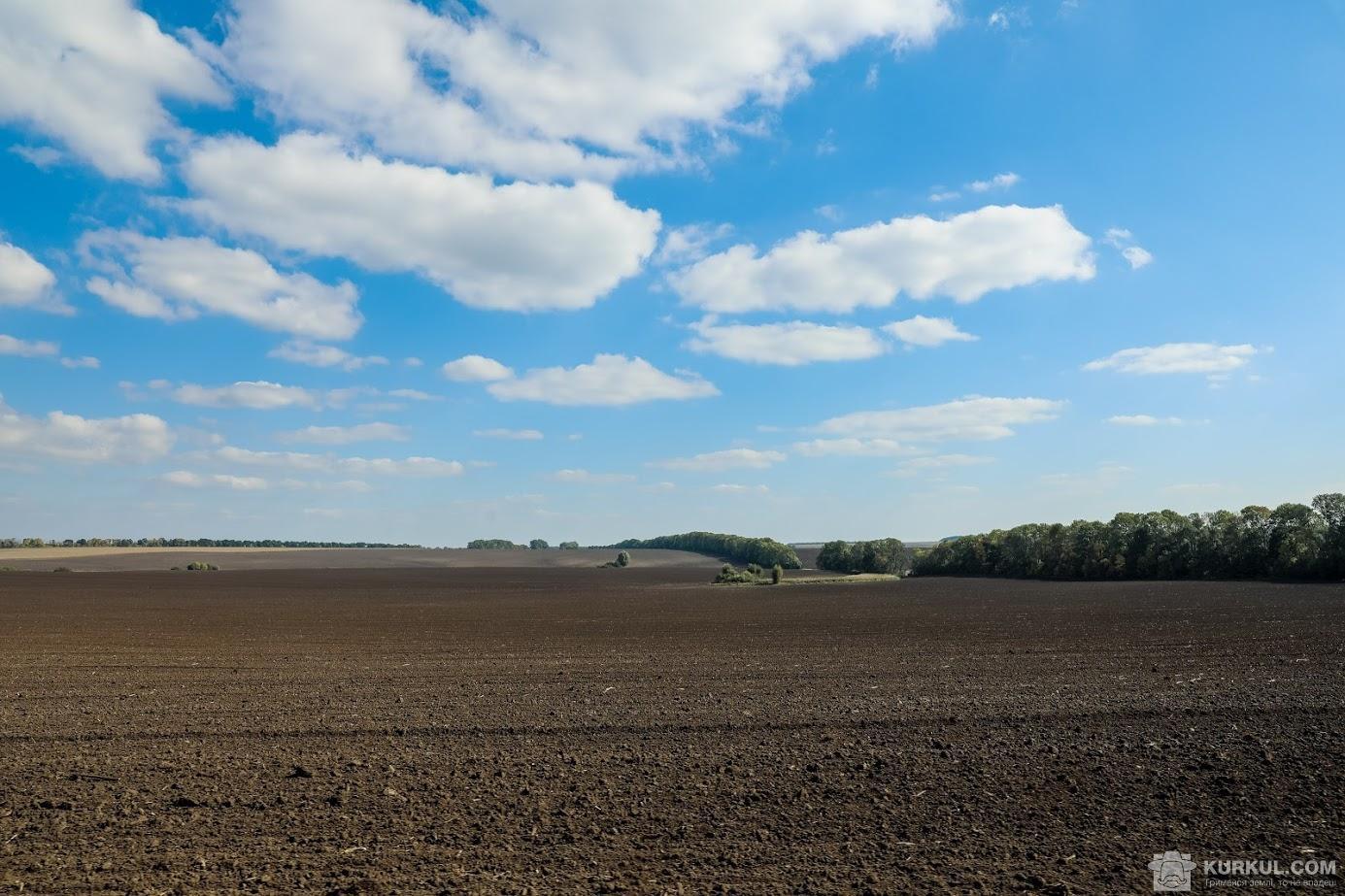 На Львівщині турецька компанія за підтримки місцевої влади відбирає землі у фермерів: назвали схеми